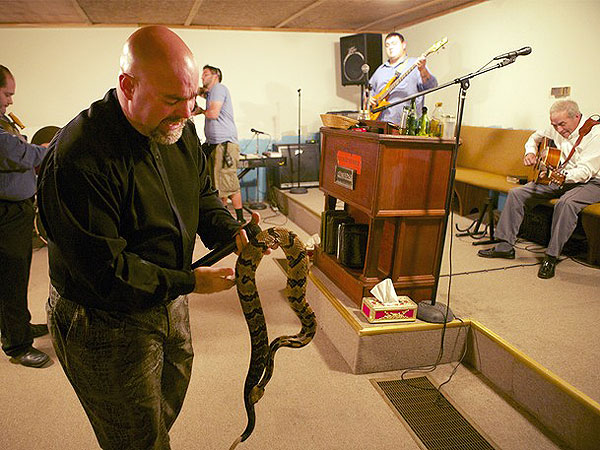 Snake-handling Ky  Pastor Dies From Snake Bite   Truth Wins Out
